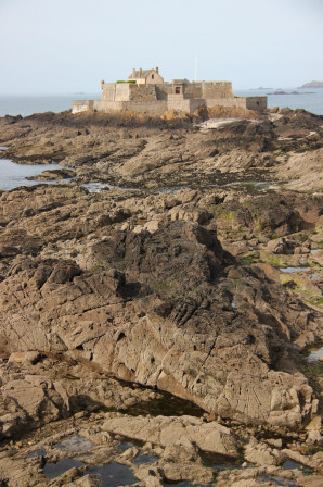 Fort National à marée basse, Saint Malo